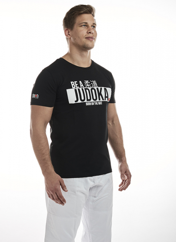 JIAPP12_IPPON_GEAR_T_Shirt_Be_A_Judoka_black_3.jpg