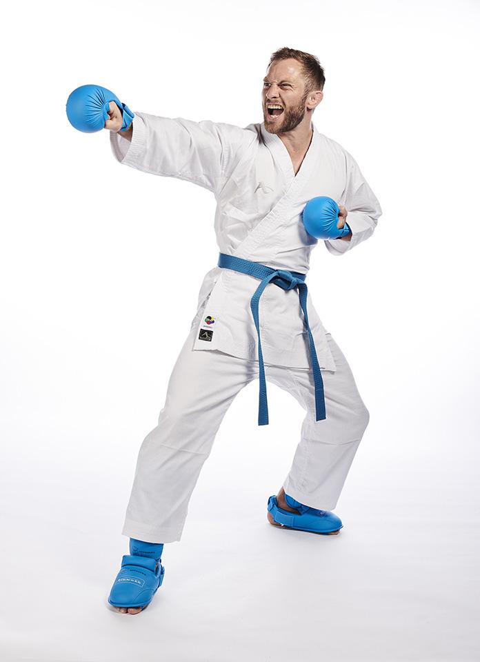 Arawaza_Karate_Uniform_Karateanzug_Kumite_Deluxe_1.jpg
